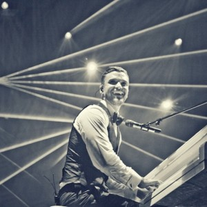 Justin Timberlake at his '20/20 Experience Tour' in Pittsburgh (via: http://www.sinuousmag.com/)