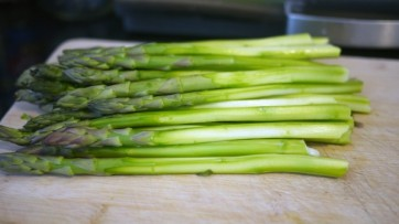 Asparagus signifies a transition from winter to spring and is at its best from March until May. This vegetable packs quite the nutritional punch and is a very good source of fibre, folate, vitamins A, C, E and K. Photo by: Creative Commons.