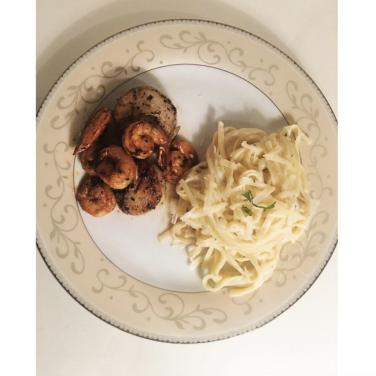 Shrimp Scallop Fettucine. Via: www.instagram.com/tacosandxanax/.