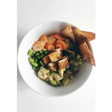 Tofu Quinoa Bowl. Via: www.instagram.com/tacosandxanax/.