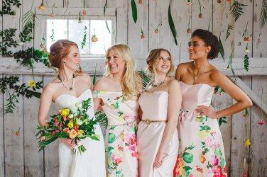 Bridesmaids in Hattitude Jewellery. Photo by: Magnolia Studios.